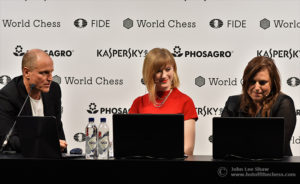 Actor Woody Harrelson, joins Anna Rudolf and Judit Polgar in the commentary for round 1.